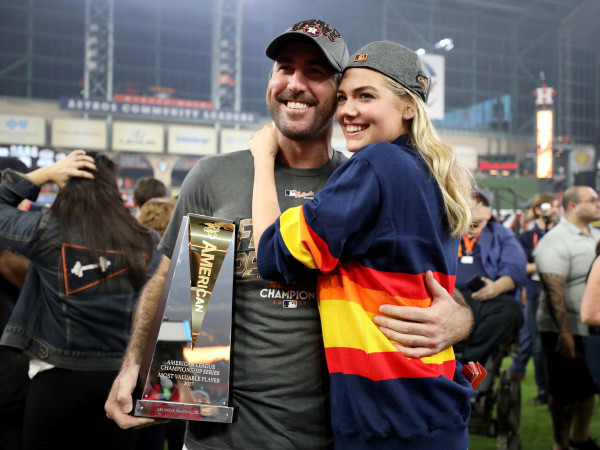 Astros Justin Verlander celebrates with Kate Upton after Game 7 of ALCS
