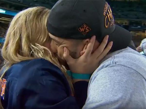 Carlos Correa gets engaged to Daniella Rodriguez at World Series Game 7