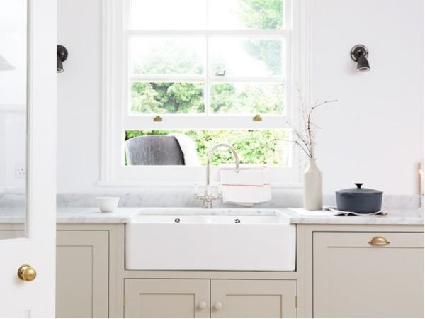 Houzz farmhouse kitchen with farm sink