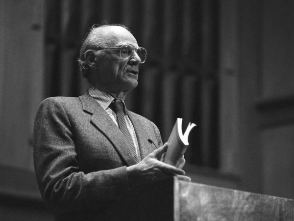 Arthur Miller speaking at UT