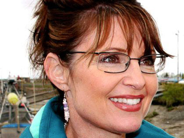 News_Sarah Palin_closeup_blue warmup
