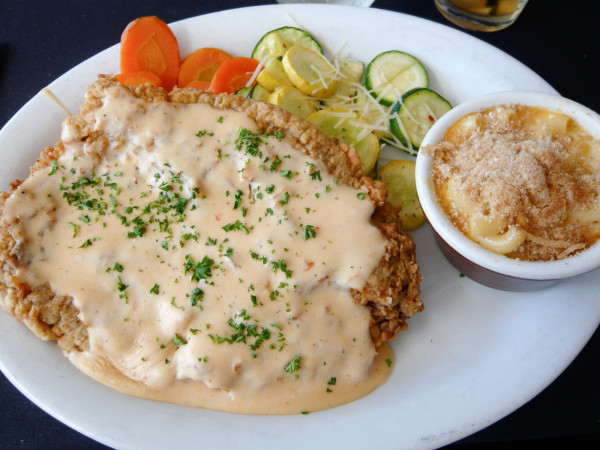 News_chicken_fried_steak_gravy_macaroni_cheese_vegetables