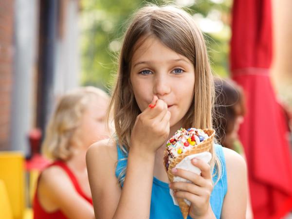 girl eating ice cream San Antonio zoo