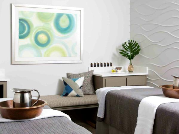 Hiatus Spa couples massage room