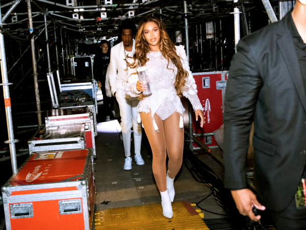 Beyonce Jay Z walking backstage
