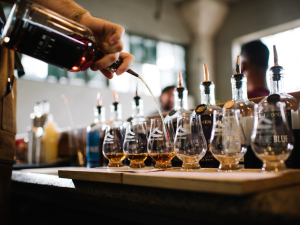Pour a whiskey flight