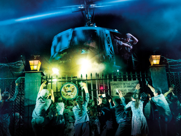 Miss Saigon tour-helicopter lands