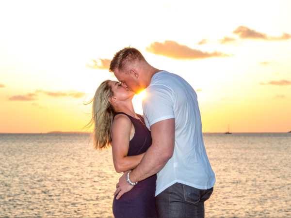 J.J. Watt Kealia Ohai engage
