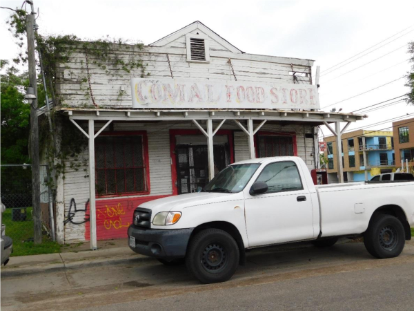 Comal Street Store exterior