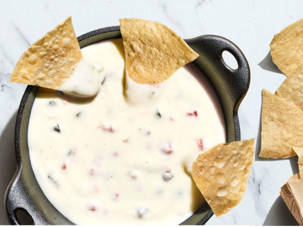 Chipotle queso