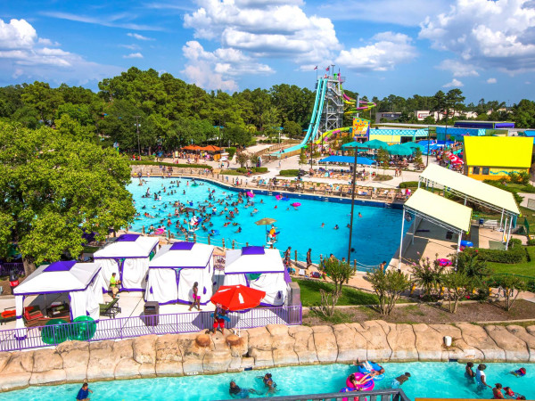 Six Flags Hurricane Harbor Splashtown