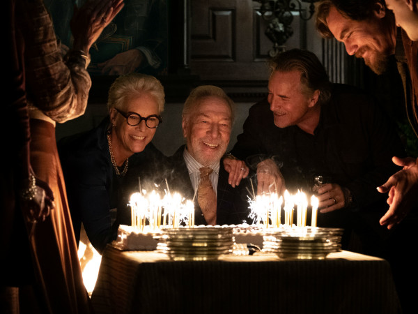 Jamie Lee Curtis, Christopher Plummer, Don Johnson, and Michael Shannon in Knives Out