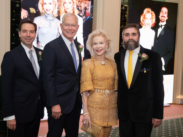 Houston Ballet Onstage Dinner Jim Nelson, Jesse (Jay) H. Jones II, Lynn Wyatt, Stanton Welch AM; Photo by Wilson Parish