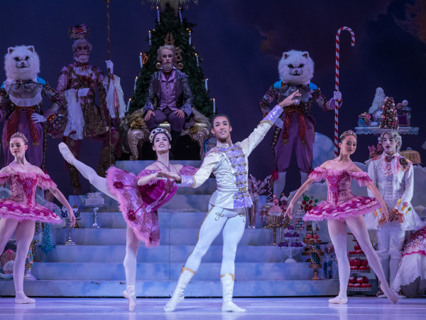 Houston Ballet Principal Karina González as Sugar Plum Fairy and Soloist Harper Watters as Nutcracker Prince with Artists of Houston Ballet and Students of Houston Ballet Academy in Stanton Welch's The Nutcracker