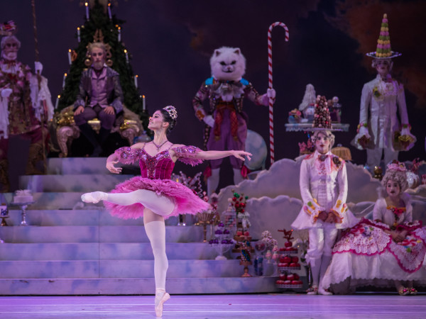Houston Ballet Principal Karina González as Sugar Plum Fairy with Artists of Houston Ballet in Stanton Welch's The Nutcracker