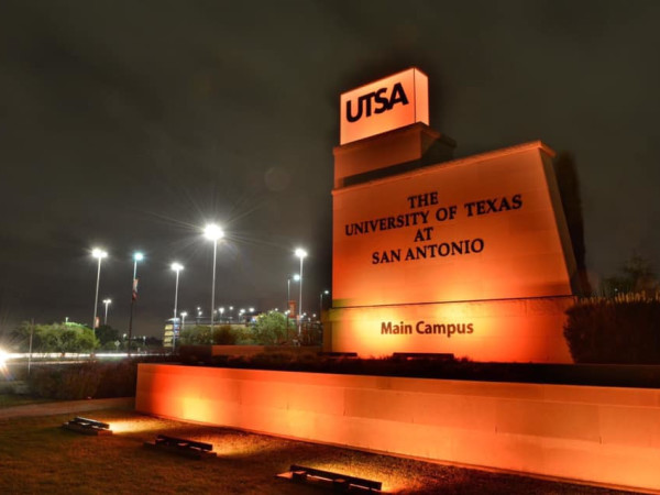 University of Texas at San antonio sign UTSA