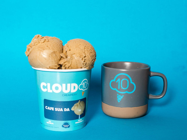 Cloud 10 Creamery cafe sua da pint