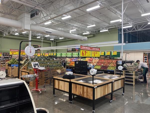 H-E-B Meyerland Market produce section