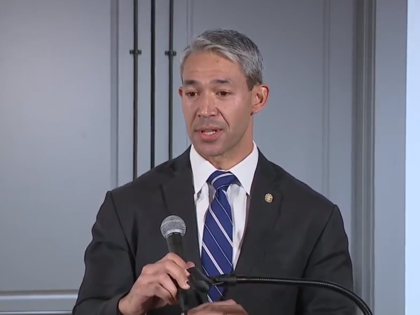 Mayor Ron Nirenberg headshot
