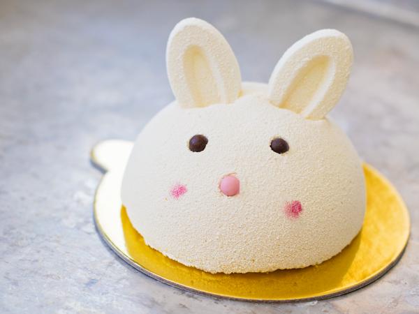Bakery Lorraine Easter bunny dessert