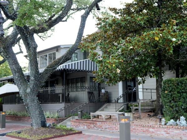 Backstreet Cafe exterior