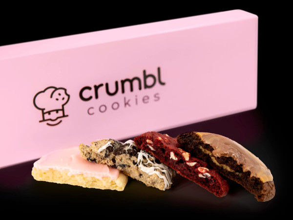 Crumbl Cookies cookie box