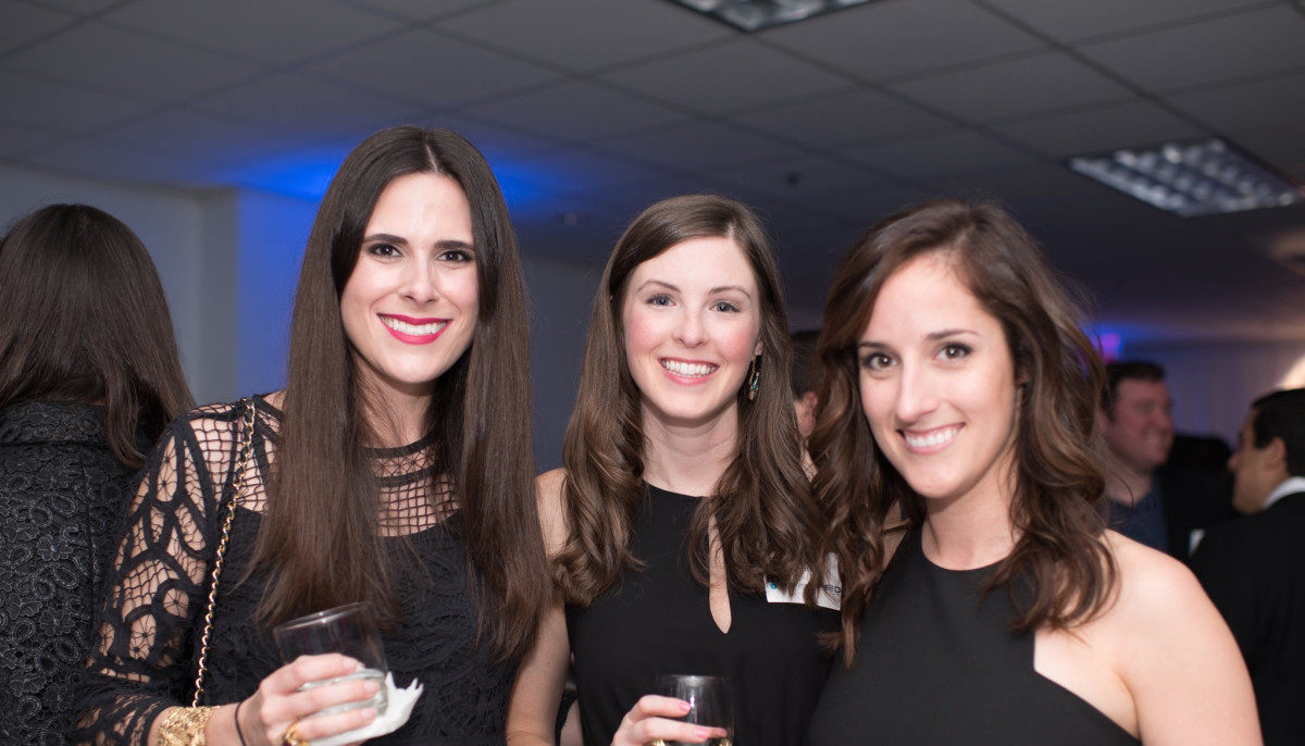 Jewish young professionals connect, get fed, do good at foodie benefit