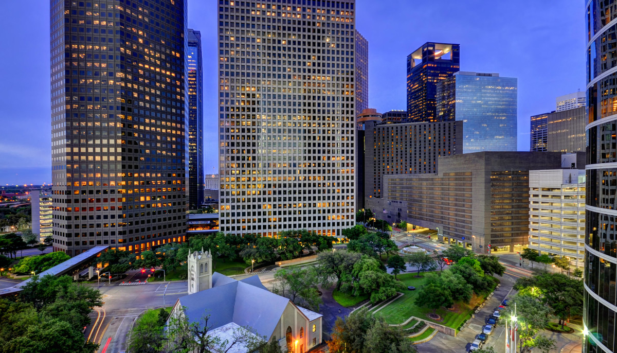 This is the salary you need to afford rent in Houston right now