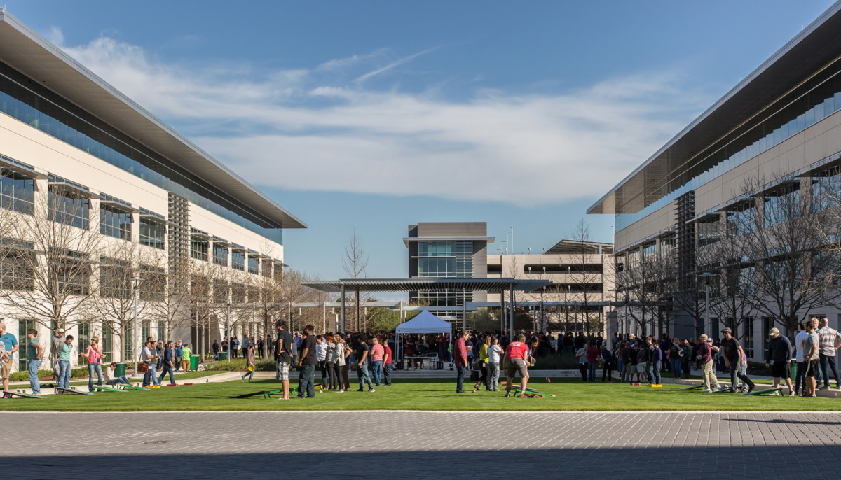 Apple campus parmer lane austin