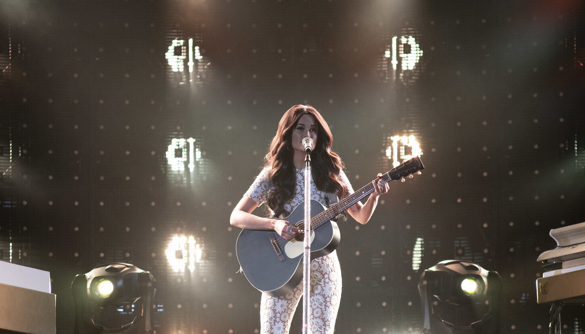 Kacey Musgraves Channels Selena In Soaring Rodeohouston