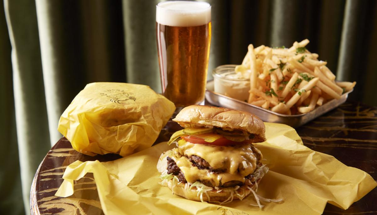 10 juicy burgers on the menu at Houston's best restaurants