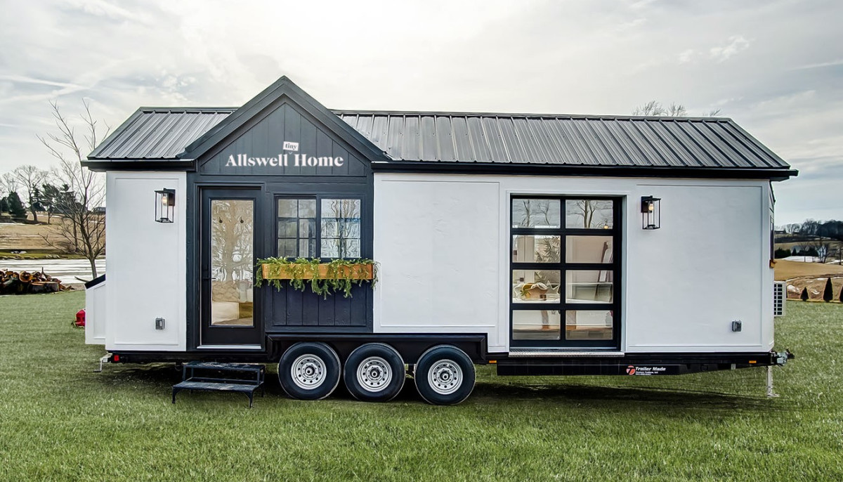 Tiny-house boutique sets up shop in Dallas during cross-country tour