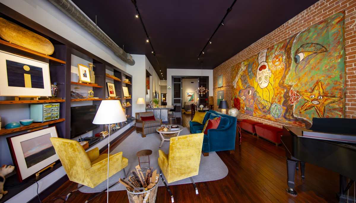 Hip Houston home tour showcases cool and colorful spots downtown