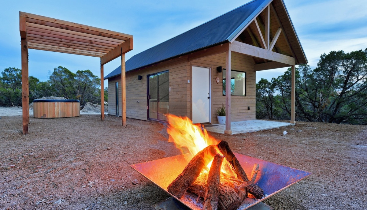 Hill Country retreat hits bull's-eye with stylish cabins and more
