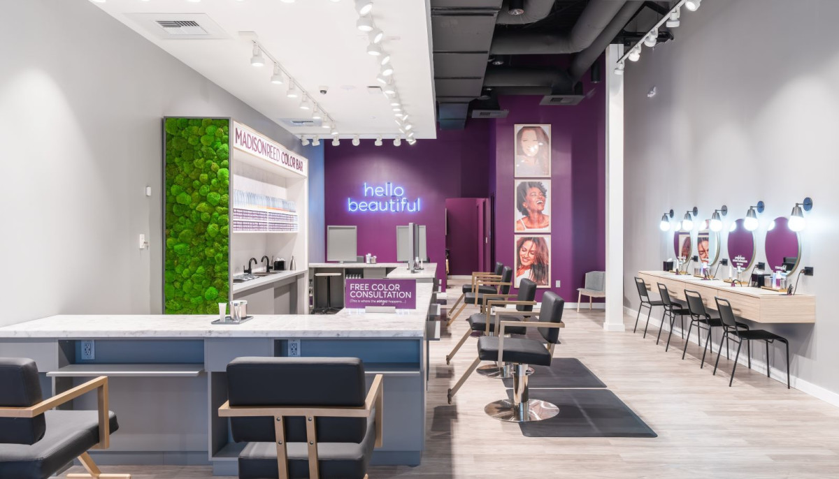 Popular hair-care brand treats Plano to first 'color bar' in Texas