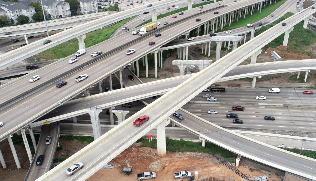 Prepare for more traffic at clogged Southwest Freeway/610 interchange