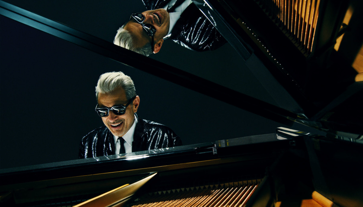 Jeff Goldblum swings into Houston for jazzy night of music and comedy
