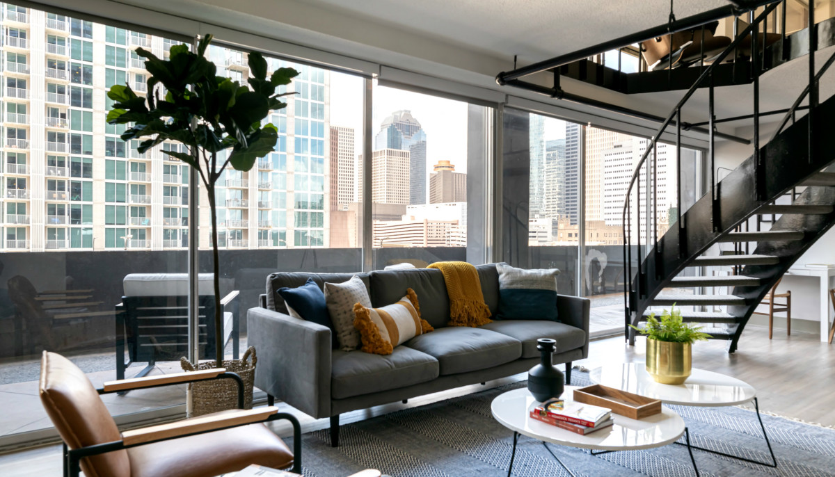 New service helps Houstonians book choice local luxury apartments