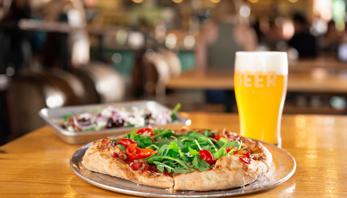 Popular local pizza chain delivers pizza-less brewpub to South Austin