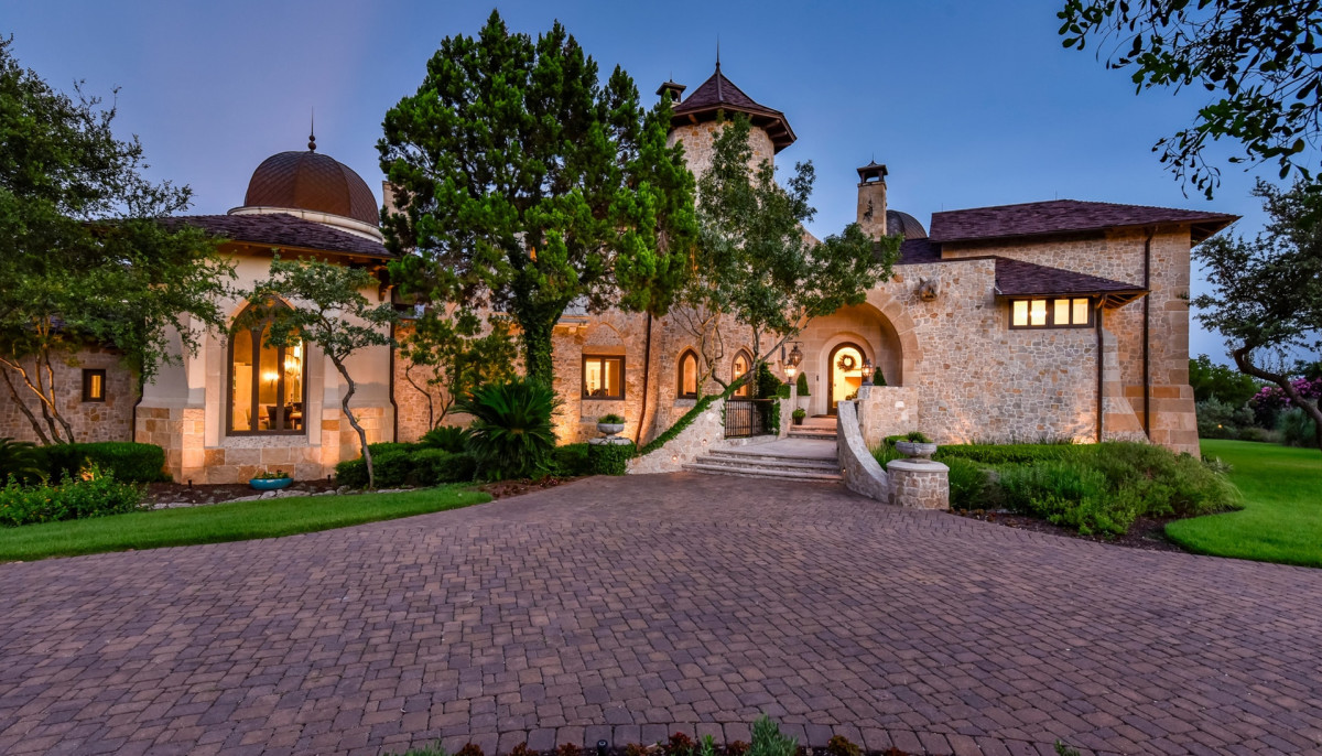 Most expensive home in Austin, UT star's deadly crash, plus more