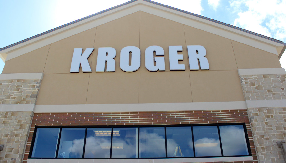 Supermarket giant Kroger to open online center and more Dallas news