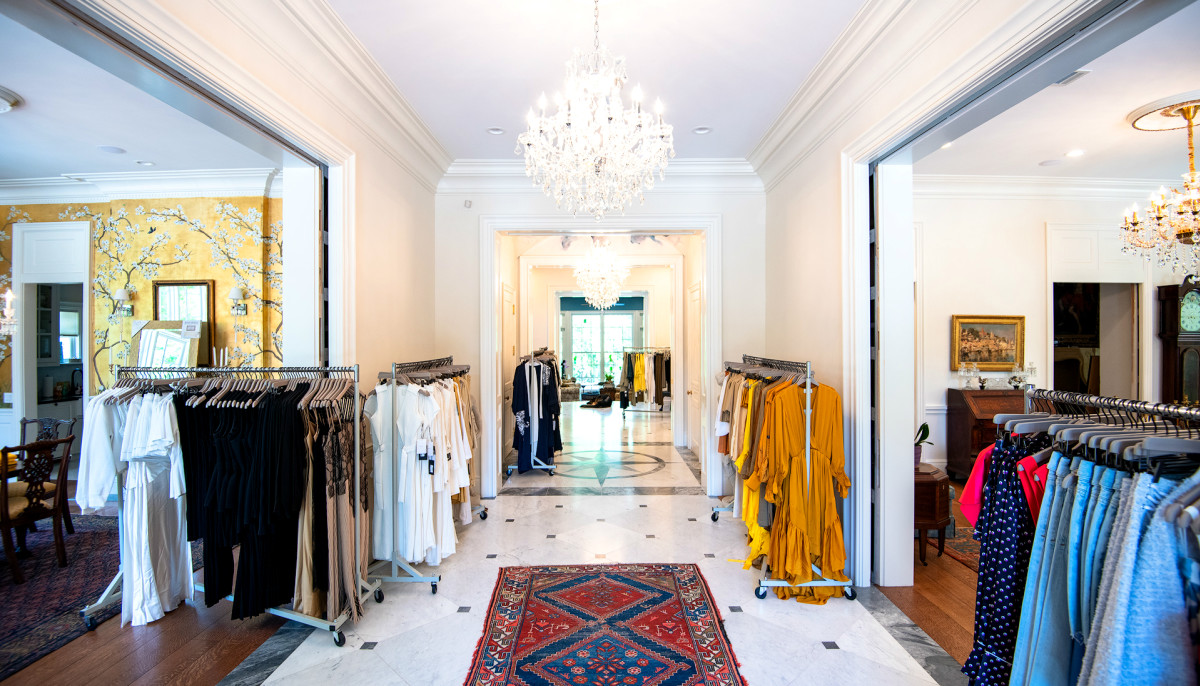 Chic Colorado boutique pops up in River Oaks for luxe shopping spree