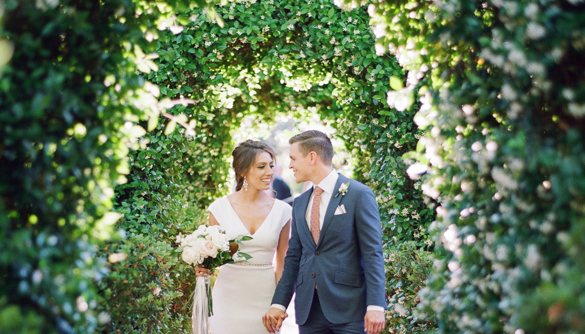 Houston couple's romance blooms in enchanted River Oaks garden wedding