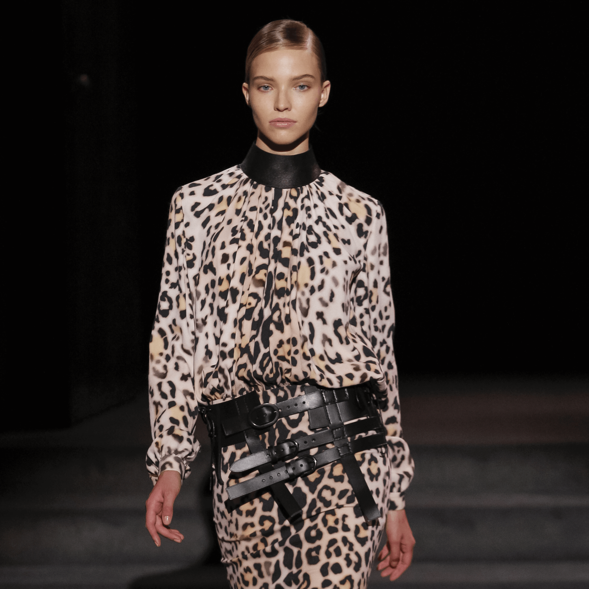Tom Ford look 22 leopard print dress