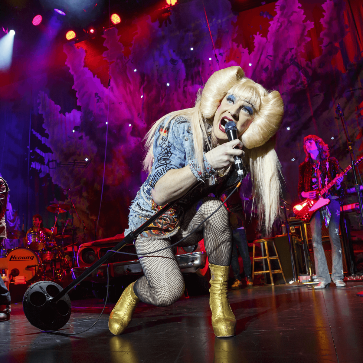 Euan Morton as Hedwig