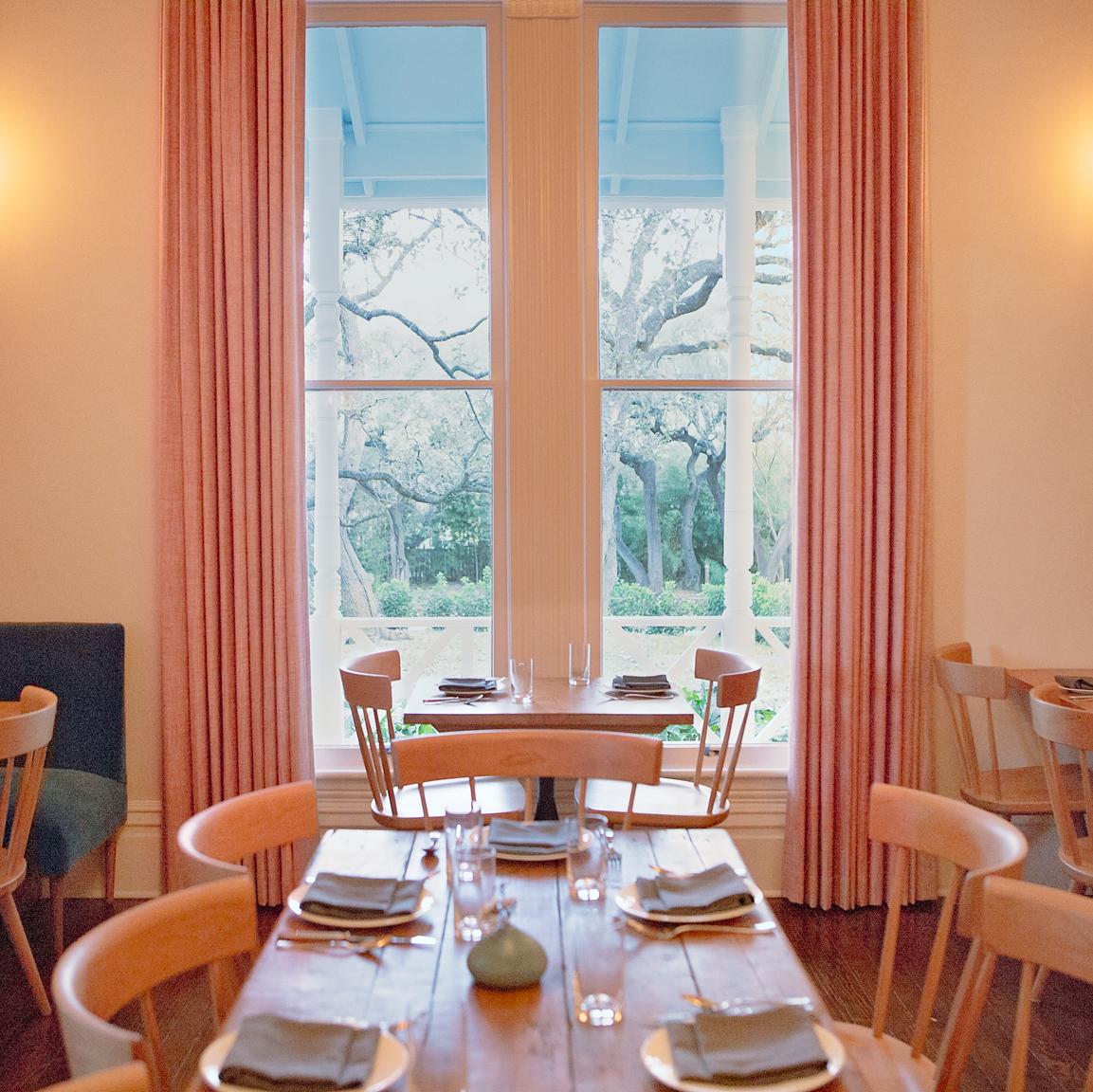 Mattie's restaurant Green Pastures dining room