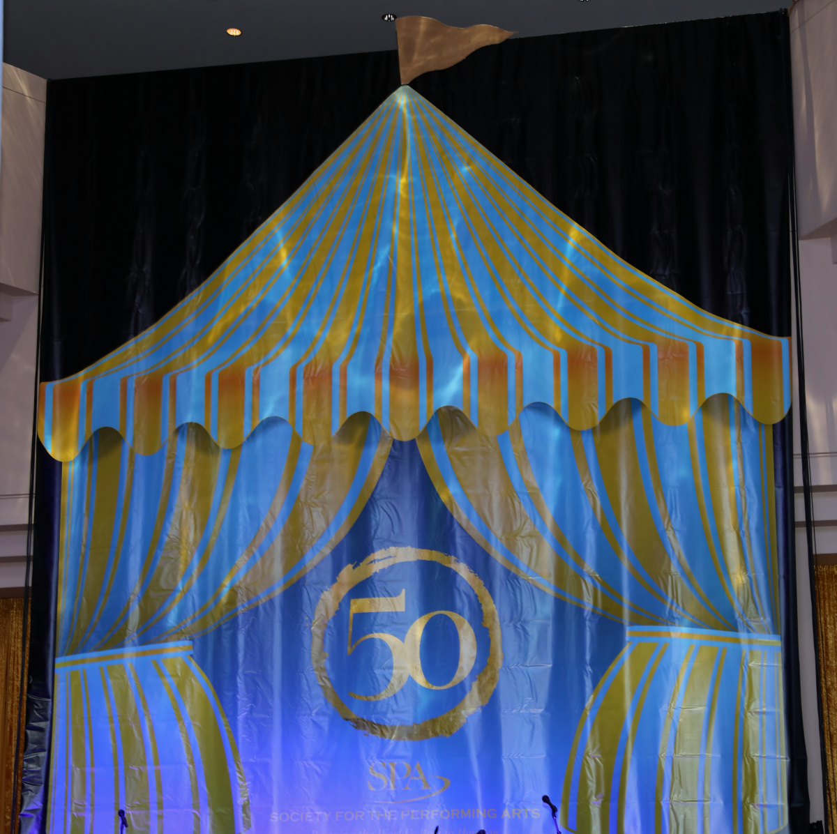 Houston, Society for the Performing Arts, April 2017, the big top behind the stage