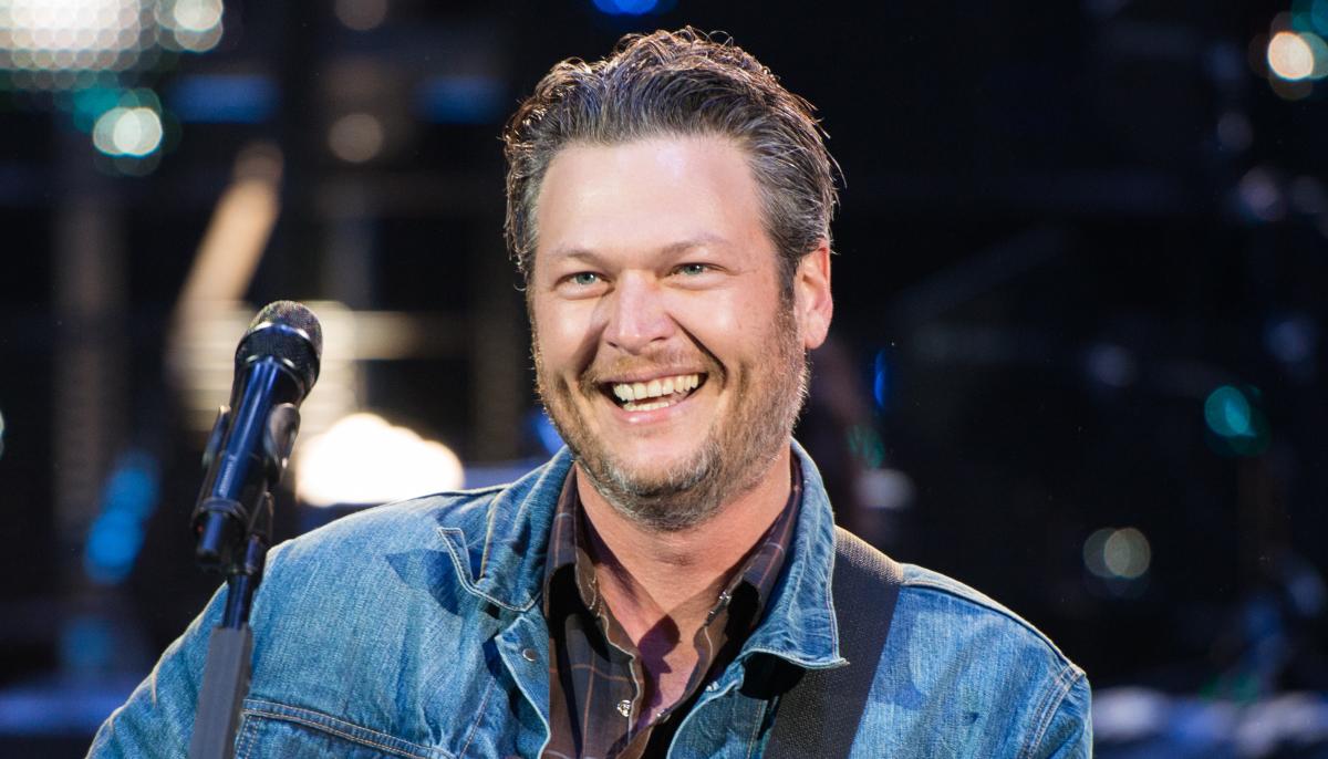 Blake Shelton at Houston Rodeo March 2015