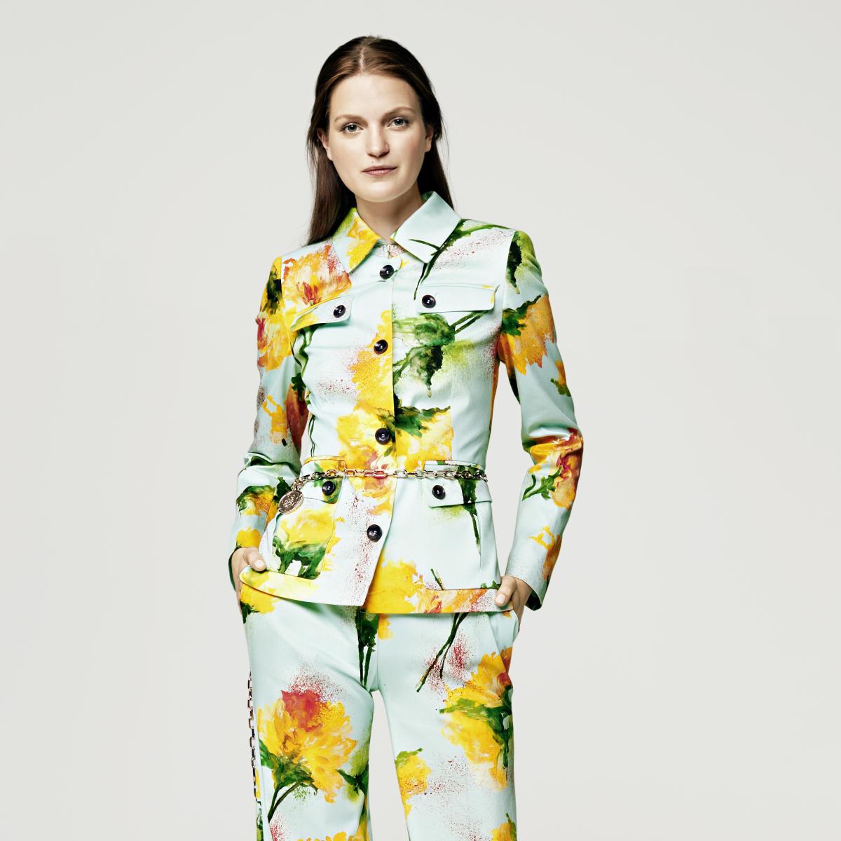 Escada spring summer look 1 at Elizabeth Anthony September 2015