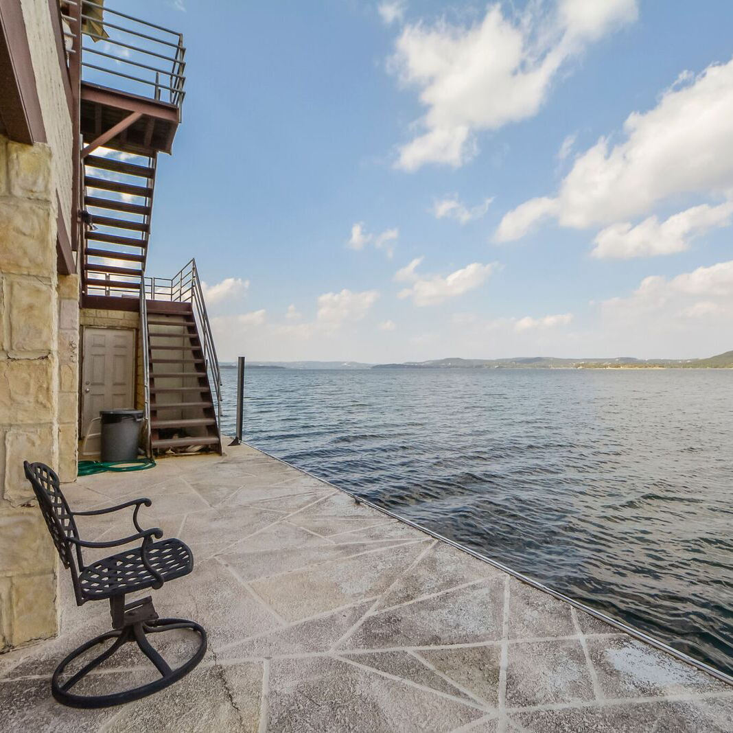 4521 Commanders Point Drive